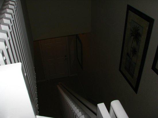 Coral Cay Resort: hallway