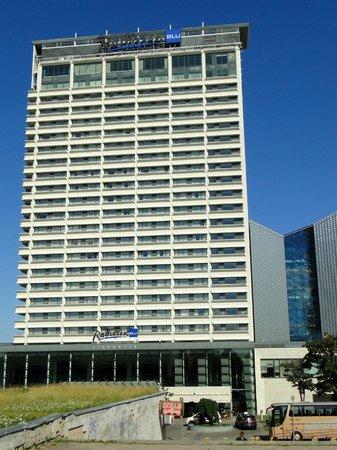 Radisson Blu Hotel Lietuva: Frontside hotel