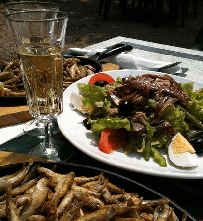 La Petite Friture Le Champagne Et La Salade Picture Of