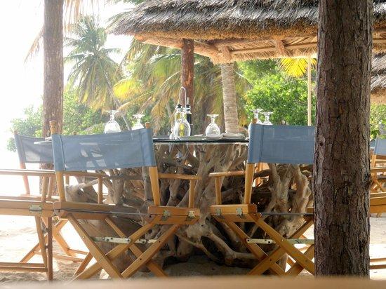 Petit St. Vincent Resort: Tables at the beach bar