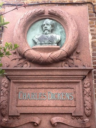 Bleak House: Charles Dickens