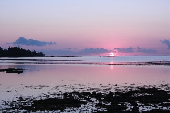Four Seasons Resort Mauritius at Anahita: Sunrise, photo taken from ocean villa