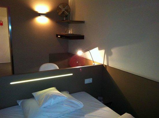 very narrow room picture of hotel restaurant schwanen metzingen tripadvisor. Black Bedroom Furniture Sets. Home Design Ideas