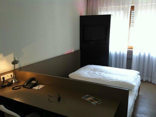 Minimalismus pur ; bild von hotel restaurant schwanen metzingen