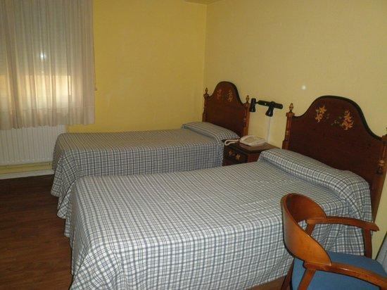 Estudios Aranzazu: room