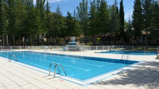 Piscinas fotograf a de hotel sport n yade los ngeles de for Hotel piscina segovia