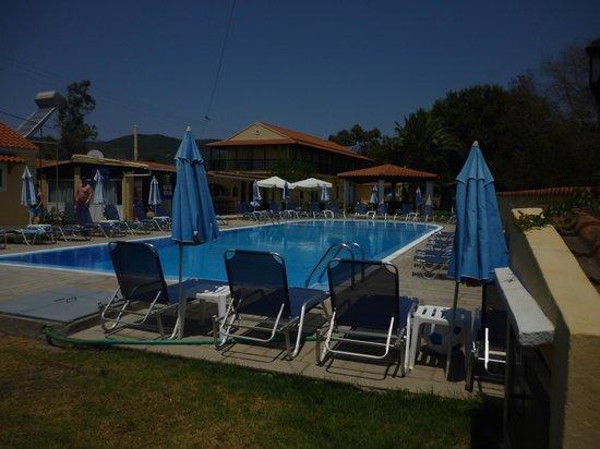 Eleana Studios & Apartments: Pool Area