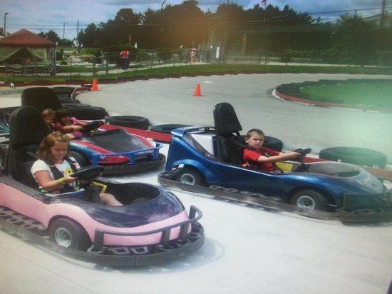 Arzo Sports and Fun Park: go karts