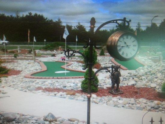 Arzo Sports and Fun Park: mini golf