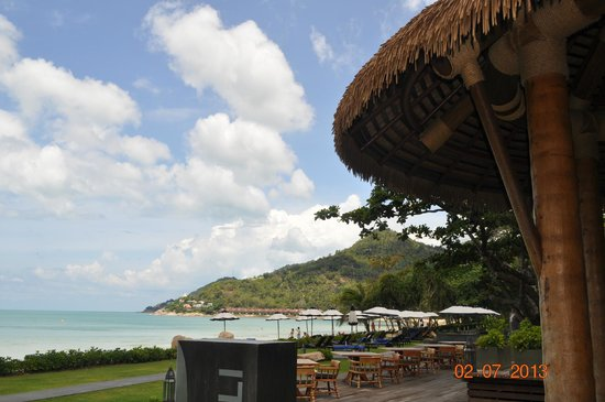 Vana Belle, A Luxury Collection Resort, Koh Samui: Bar & Restaurant by the beach