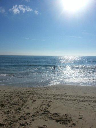 Days Inn Virginia Beach at the Beach: beach, one block away...just across the street, very warm water!