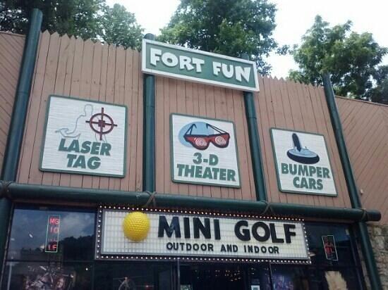 Fort Fun Mini Golf and More: fort fun
