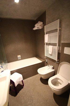 Corte Di Gabriela: Bathroom