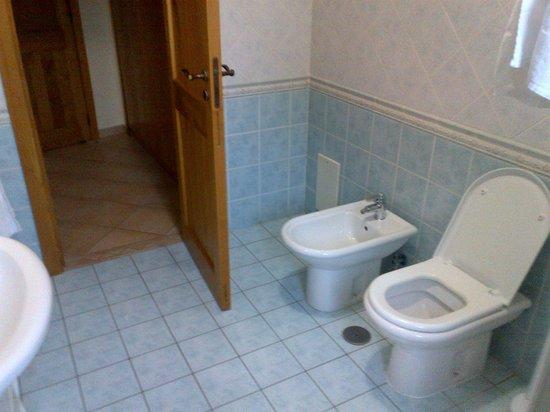 Villa Rosita: I loved the bathroom decor