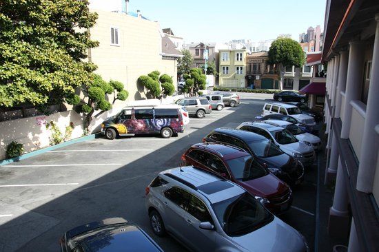 Town House Motel: Parkplatz