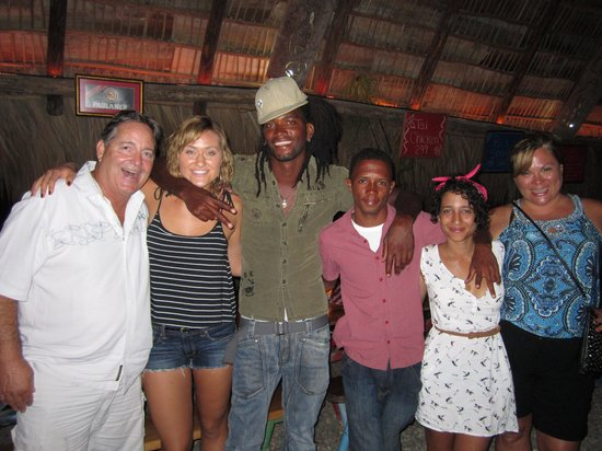 Hotel Villa Taina: So happy we met them!  They made our trip memorable .