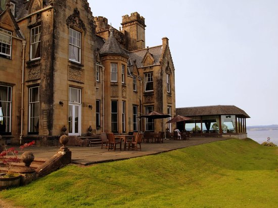 Stonefield Castle Hotel: The terrace