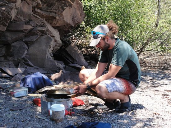 FreshAir Adventure Day Tours: Lunch was fajitas cooked on the beach while we sat in the shade