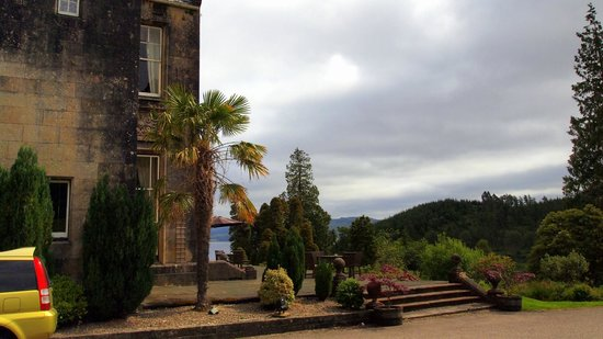 Stonefield Castle Hotel: Views from outside the hotel