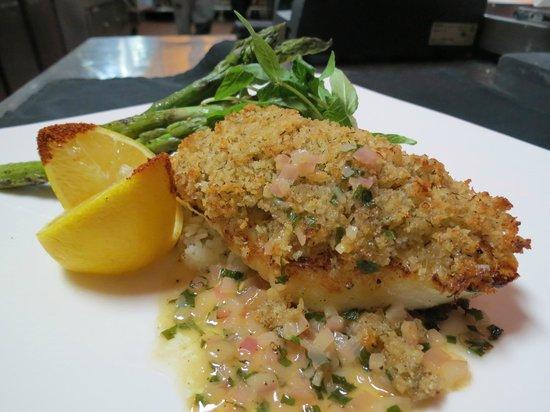 Fire & Ice Restaurant & Bar: Crab cake encrusted halibut wtih lemon tarragon beurre blanc, grilled asparagus, herb rice