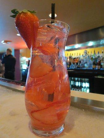 Fire & Ice Restaurant & Bar: Strawberry Lemonade