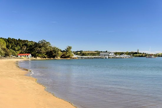 YHA Bay of Islands Paihia: Our beach