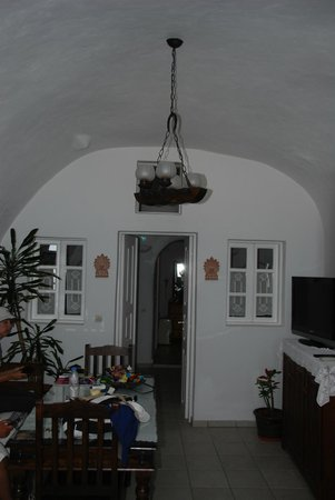 Strogili Traditional Houses : living area complete with tv