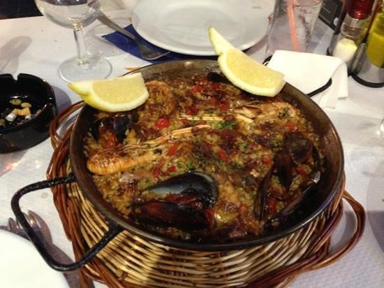 Can Granyela : la paella pour 2 du menu a 9€