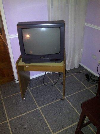Hotel Lyon: El televisor de la habitación