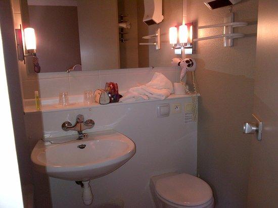 Hotel Inn Design Resto Novo Bourges : sdb