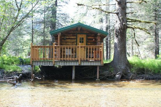 Alaska Creekside Cabins: On the Creek