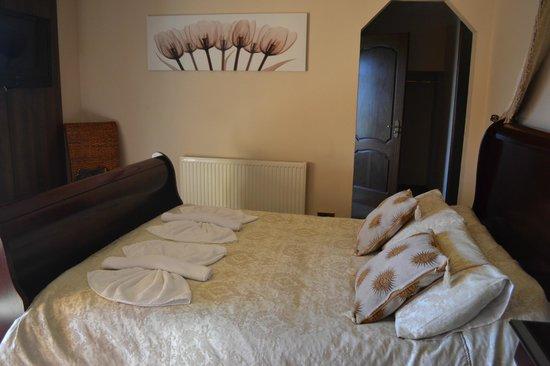 Springburn Lodge: The Bed