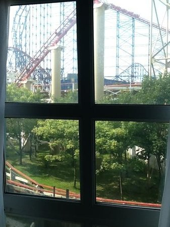 Big Blue Hotel: our view
