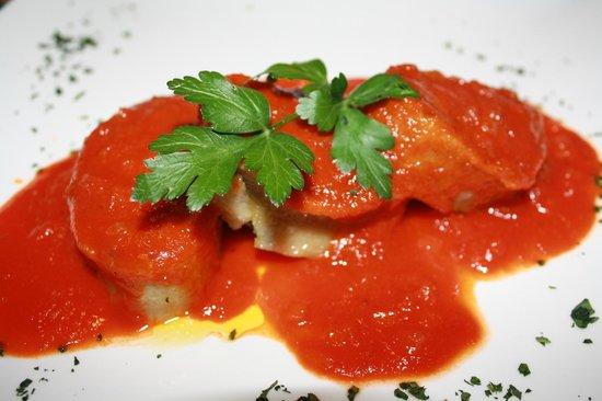 Tramonti: Spinach rolls