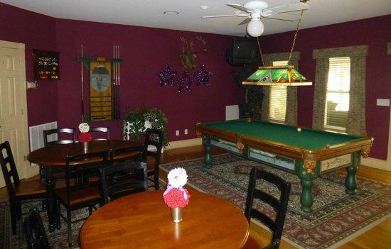 Gruene River Hotel & Retreat: Game Room