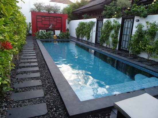 Bonsai Villas: Central Pool