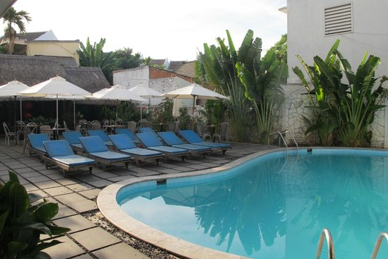 Sunflower Hotel : Swimming pool. Good for socialize.