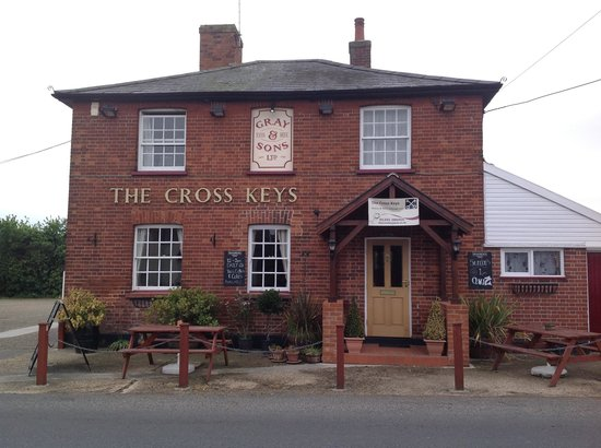 Cross Keys Inn and Public House: The friendly pub on the green.