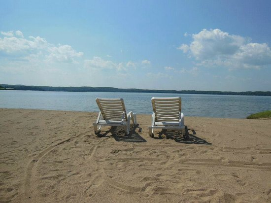 Madden's on Gull Lake: Wilson Beach at Madden's Resort
