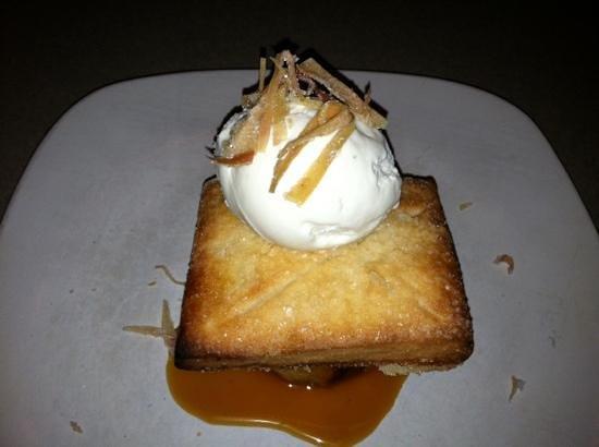 Vintage Restaurant & Bar: apple pie