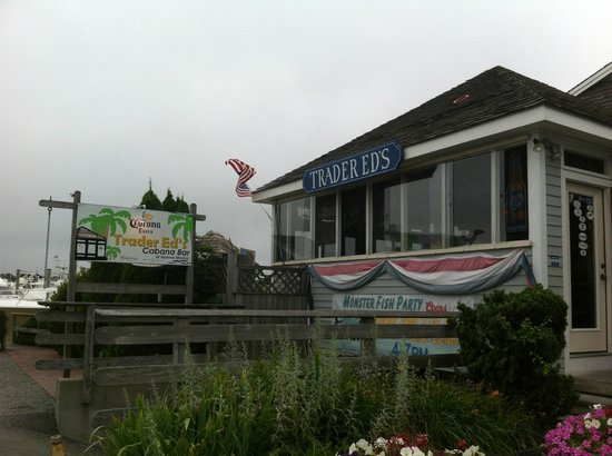 Trader Ed's At Hyannis Marina: Outside view