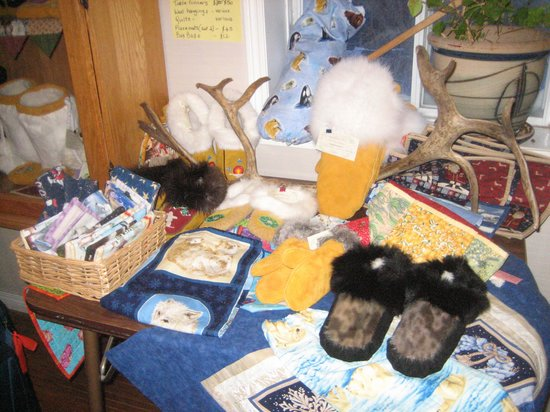 Tundra Inn: Belinda's Crafts Display