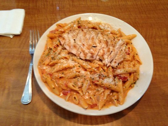 Armstrong's Restaurant: Vodka Sauce / Chicken Pasta