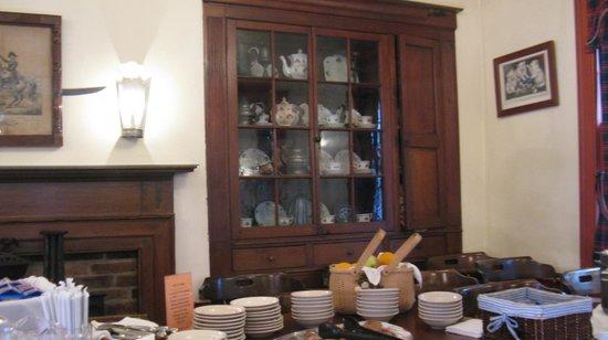 Buxton Inn: Dinnerware Display