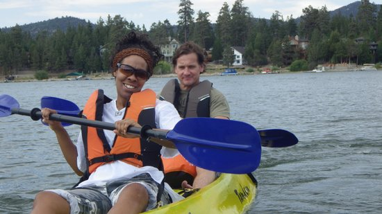 Golden Bear Cottages Resort: kayaking only 300 ft away