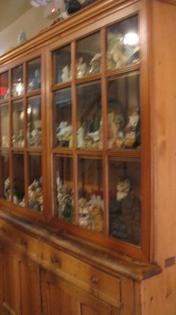 Buxton Inn: Cat Curio Cabinet