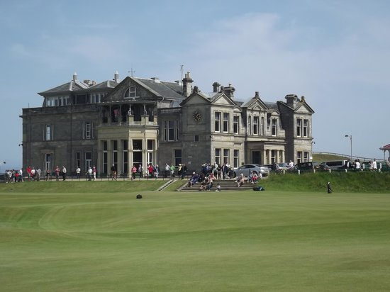 Golfer's Corner Lounge Bar at Dunvegan: Clubhouse Old Course St. Andrews
