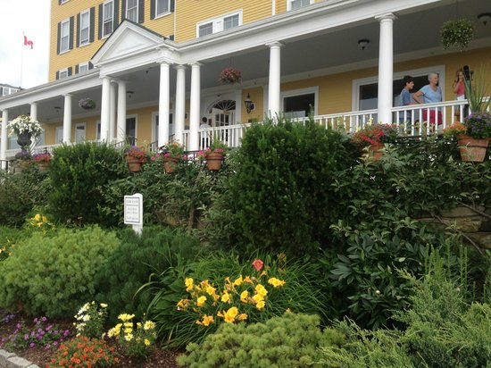 Mountain View Grand Resort & Spa: Front Porch