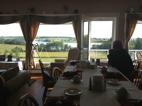 Firedance Country Inn Bed and Breakfast : Beautiful view from the breakfast room