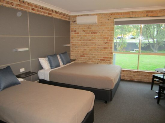 Lakeview Hotel Motel: Family style accommodation
